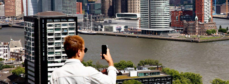 Uitzicht op Rotterdam Zuid vanaf Euromast.